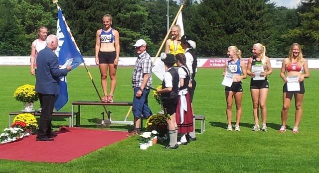 Ihr größter Erfolg bisher: Rebecca Zweigle gewinnt die Süddeutsche Meisterschaft im Speerwurf